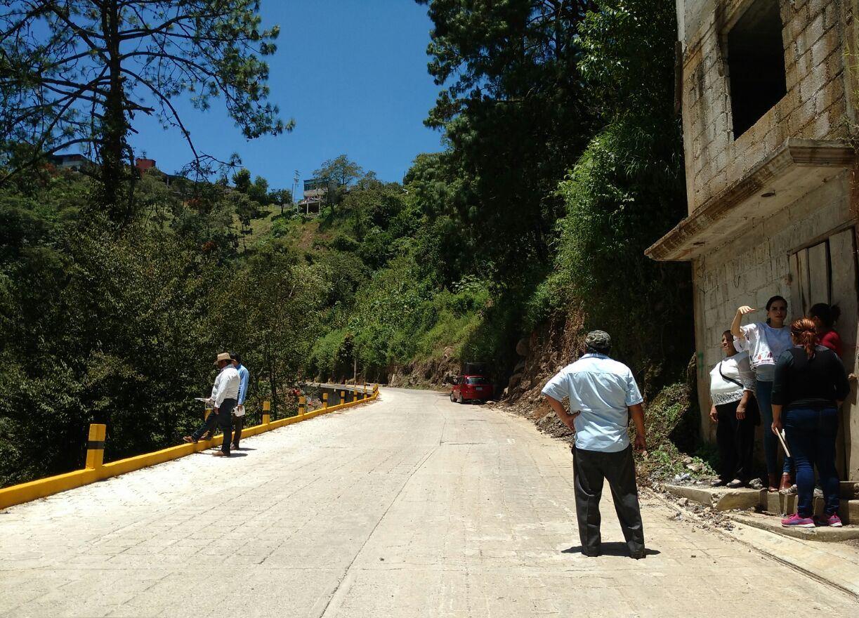 Con 80% de avance entregan rehabilitación de camino a Cuacuila